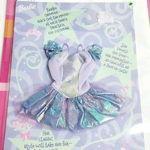 Barbie Party Supplies - 2001 Barbie Fashion Fun Birthday Card & Clothes